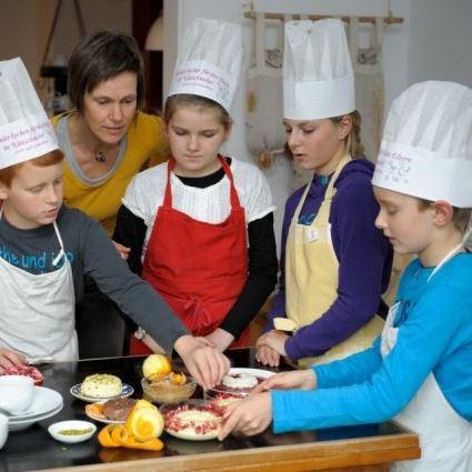 Kinder kochen für Ihre Eltern - Gesundurlaub im Haus Klatschmohn ... | {Kochschule für kinder 12}